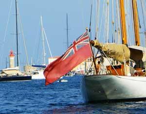Drapeaux Dejean Marine, fabricant de supports sur tissu pour le nautisme (pavoisement, flamme, pavillon.).