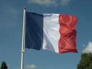 Drapeau français au vent