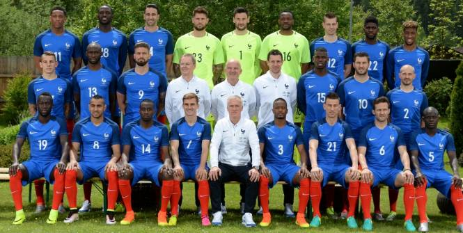 Photo officielle de l'équipe de France pour l'Euro 2016.