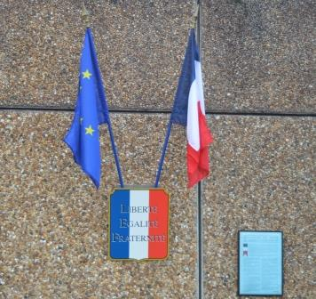 Kit Loi Peillon drapeau france europe droits de l'homme