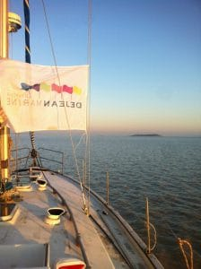 pavillon dejean marine sur voilier taka