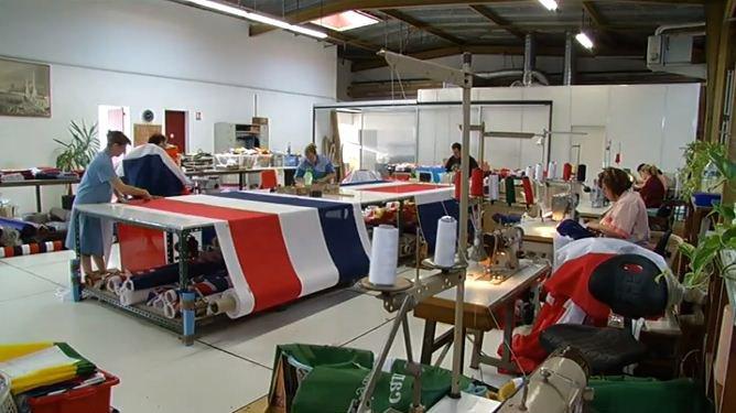Drapeaux Dejean Marine, fabricants de drapeaux à Bordeaux.