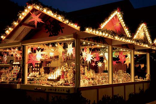 Cabane en bois marché de Noël du Blanc-Mesnil